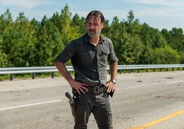 the-walking-dead-episode-709-rick-lincoln-935.jpg